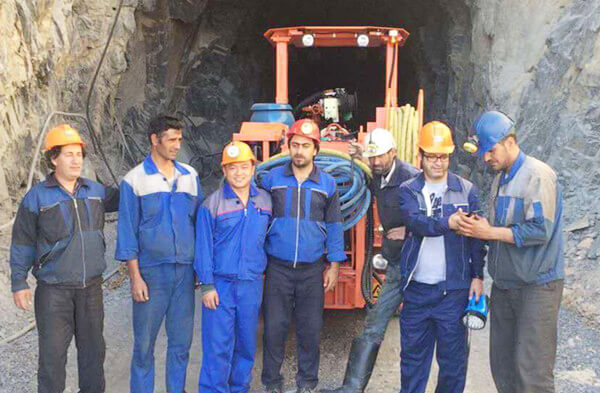 Jiangxi Siton DW1-31 Tire-type Single-arm Tunneling Drill Jumbo Serves Iran Lead Zinc Mines